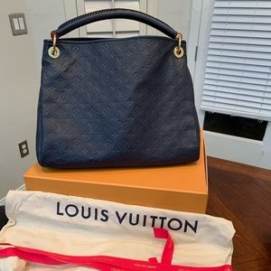 Louis Vuitton ARTSY MM (M43237)